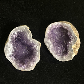 Small amethyst geode