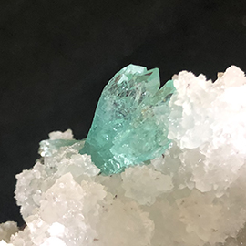 Related Spectacular green apophyllite