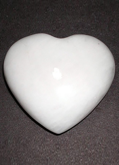White Agate Heart Image