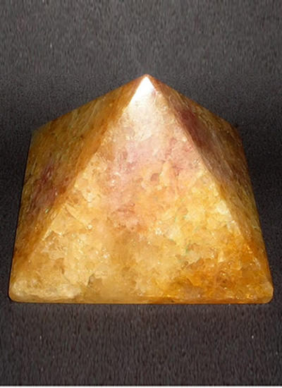 45mm Agate Pyramid Image