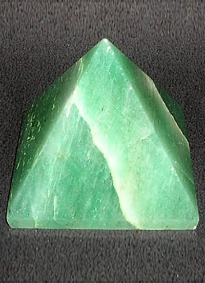 Green Aventurine Pyramid 45mm Image