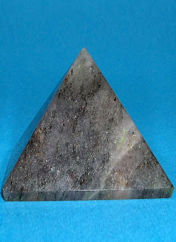 38 mm Grey Agate Pyramid Image