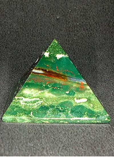 38 mm Bloodstone Pyramid Image