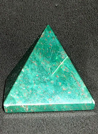 33 mm Bloodstone Pyramid Image
