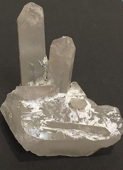Quartz Crystal Pair - Quartz Crystal Specimen Image