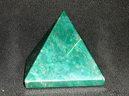 Related 33 mm Bloodstone Pyramid