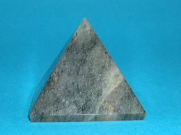 Related 38 mm Grey Agate Pyramid