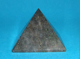 Related 40 mm Grey Agate Pyramid